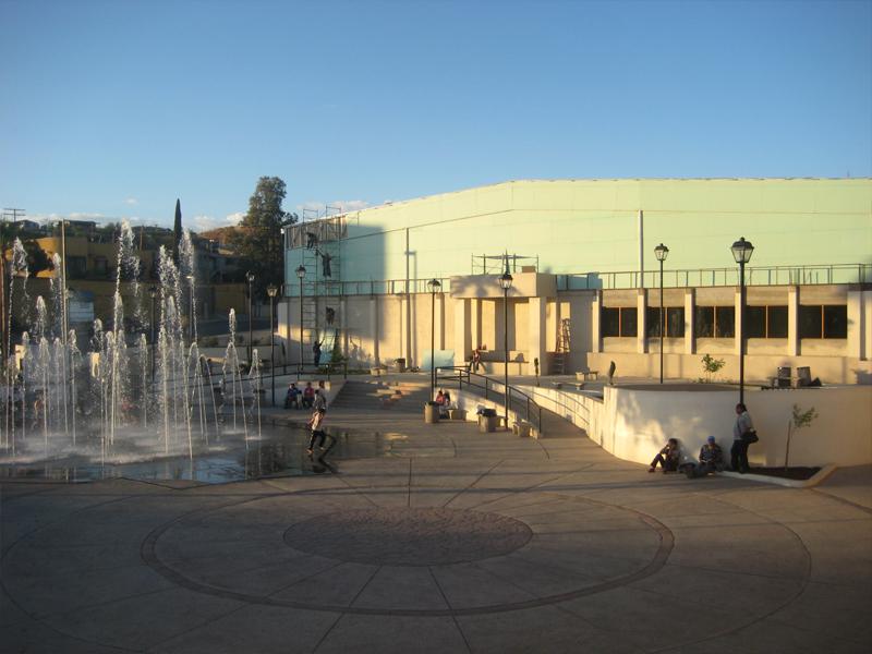 Centro cultural nogales cecun casas y centros culturales for Casas modernas nogales sonora